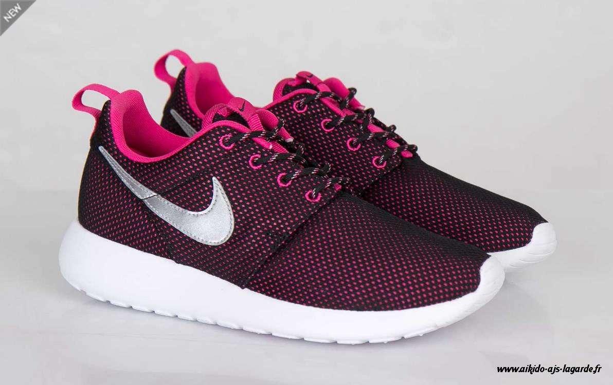 chaussure nike roshe run femme