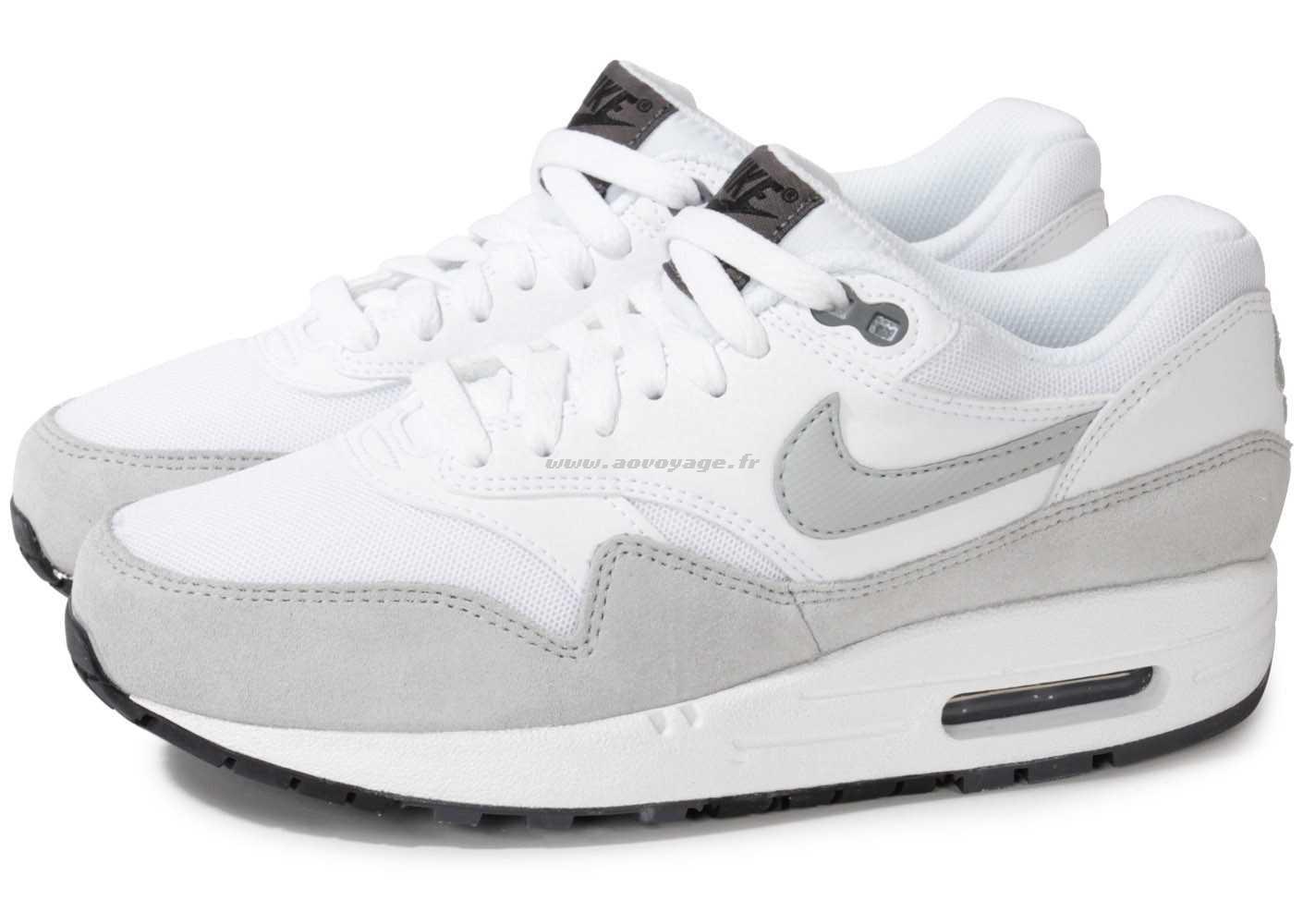 on sale 6b27b 8bcf8 Prix de gros air max 1 essential femme grise blanc France vente en ligne,  toutes les gammes de chaussures Nike pour hommes et femmes outlet pas cher.