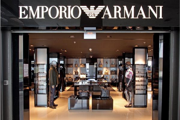 be9a69342f5a boutique armani paris