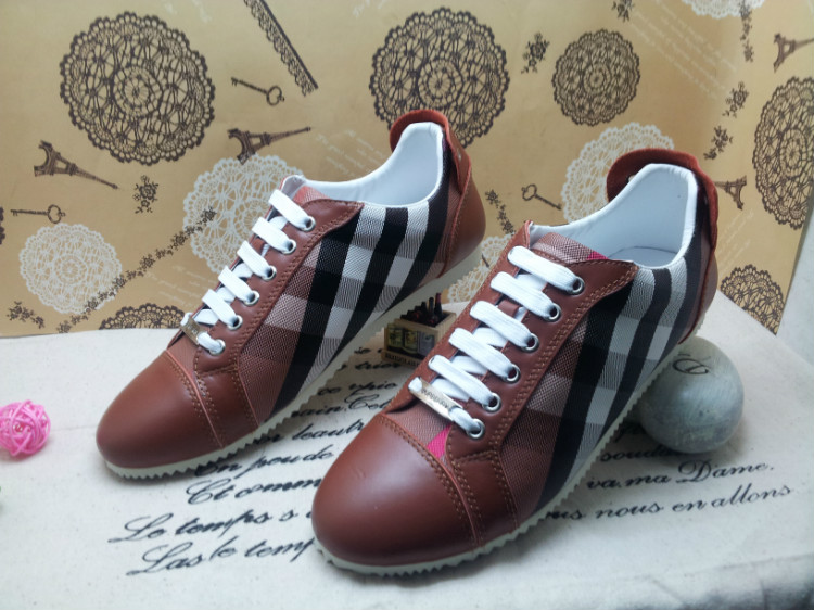 6222fb14eb burberry chaussures femme pas cher
